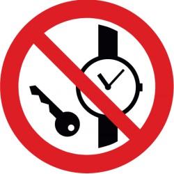 Mitführen von Metallteilen oder Uhren verboten (P008)