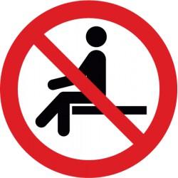 Sitzen verboten (P018)