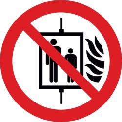 Aufzug im Brandfall nicht benutzen (P020)