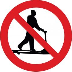 Roller fahren mit Handhubwagen verboten