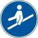 Handlauf benutzen (M012)