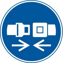 Rückhaltesystem benutzen (M020)