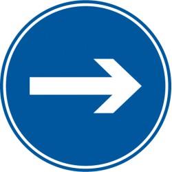 Vorgeschriebene Fahrtrichtung hier rechts