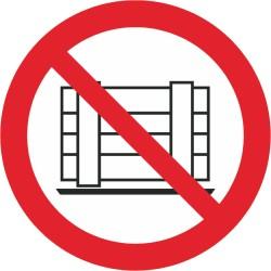 Sicherheitszeichen für den Boden - Abstellen oder Lagern verboten