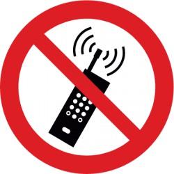 Eingeschaltete Mobiltelefone verboten (P013)