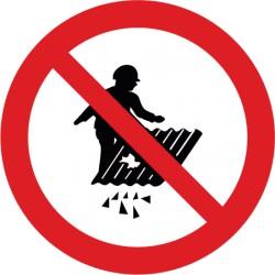 Betreten verboten Durchsturzgefahr
